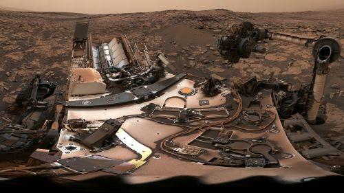 Марсоход Curiosity сделал панораму во время мощного пылевого шторма на Марсе