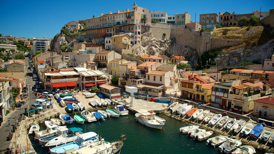 «Почему вы не в Крыму?»: украинский журналист набросился на русских туристов в Марселе