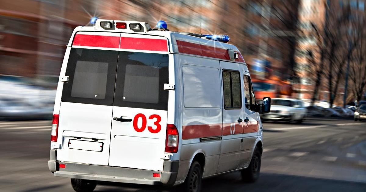 В Керчи иномарка рухнула с моста