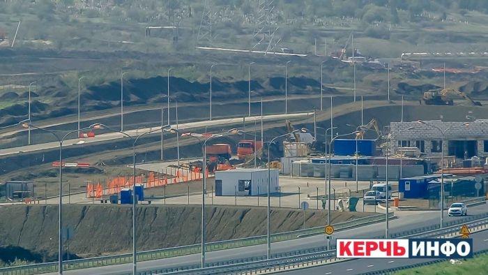 В Керчи устраивают насыпь для Ж/Д подхода к Крымскому мосту