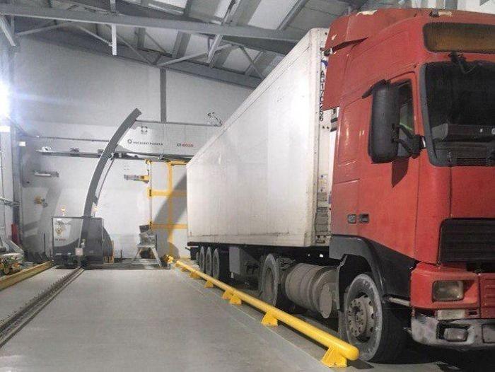 На Крымском мосту установили мощные сканеры для просвечивания грузовых фур