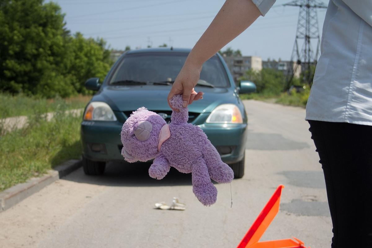 В Севастополе пьяный водитель сбил маму с двумя детьми и скрылся – соцсети