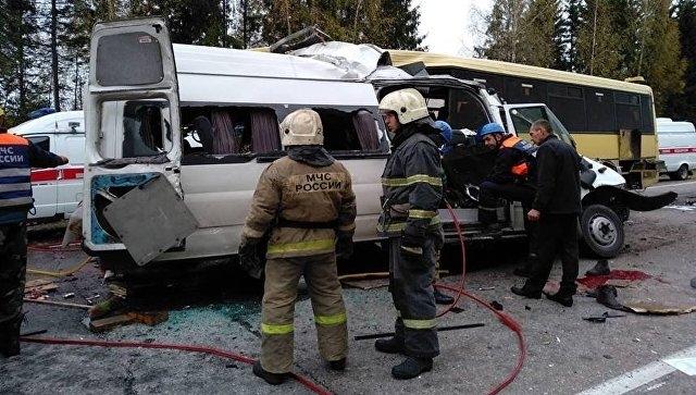 Жуткое ДТП в Тверской области: погибли 13 человек