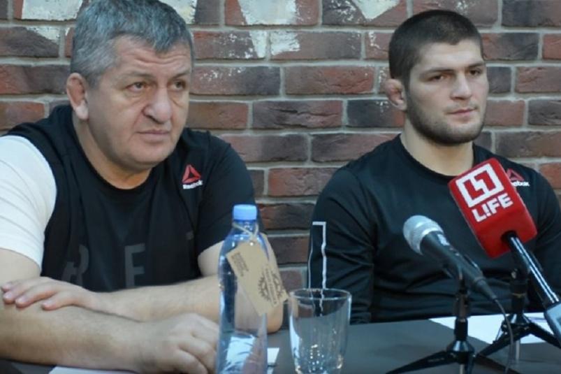 Отец Хабиба Нурмагомедова пообещал наказать сына за драку после боя