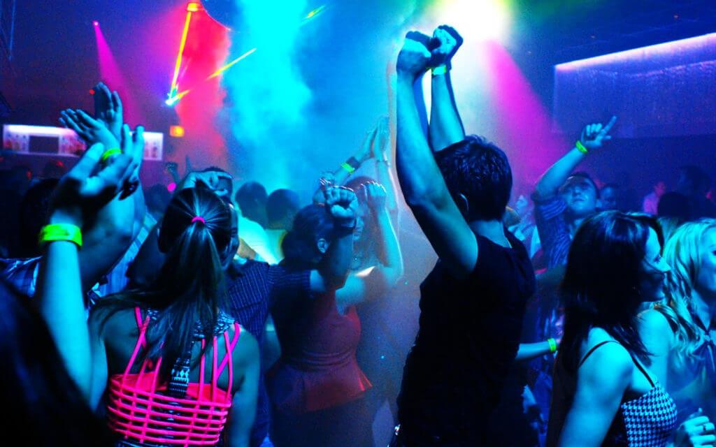 Полиция Крыма предупреждает о серии краж в барах и ночных клубах полуострова