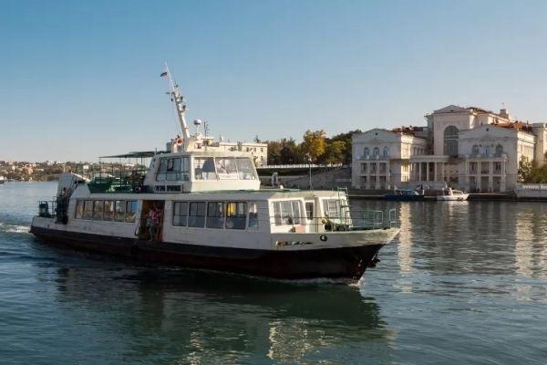 В Севастополе не ходят катера и паромы