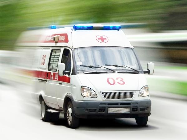В Ялте женщина упала с семиметровой стены на газовую трубу