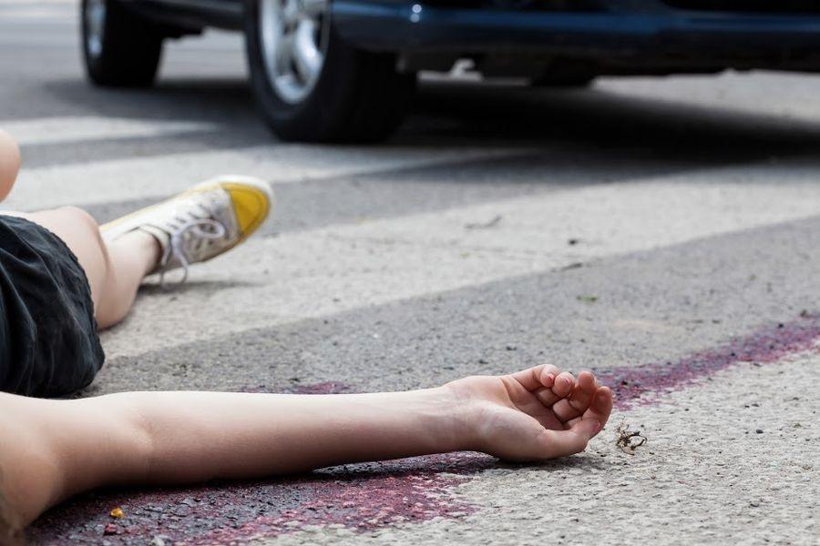 Ночью в Севастополе сбили человека