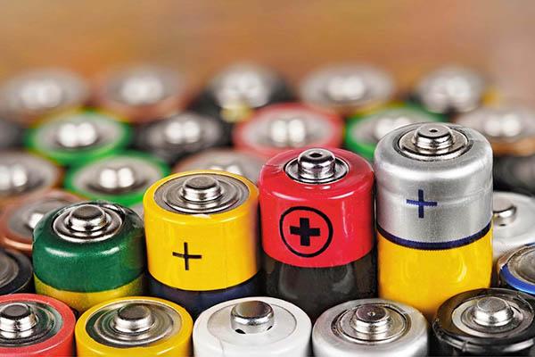 В Севастополе 1 декабря будут принимать старые батарейки, градусники и лампочки