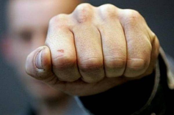 Пьяный мужчина напал на водителя «скорой помощи» в Симферополе