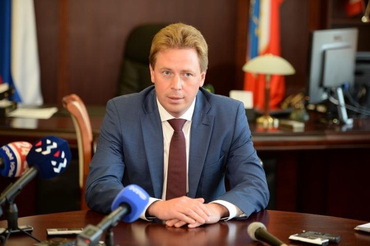«Молния для Крыма»: кто и зачем «отправил» в отставку губернатора Севастополя Дмитрия Овсянникова