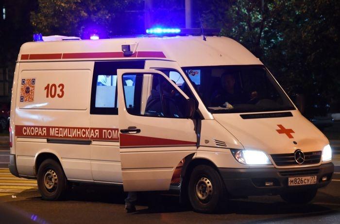 На крымской трассе длинномер столкнулся с легковушкой: двое в больнице