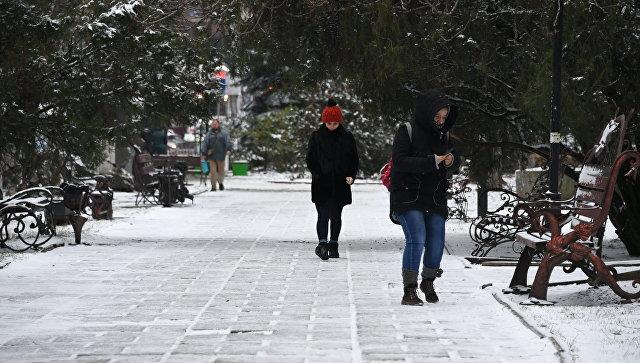 Несколько учебных заведений Крыма закрыли из-за последствий погодных условий
