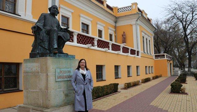 Аэропорт имени Айвазовского: внучка мариниста благодарна за выбор крымчан