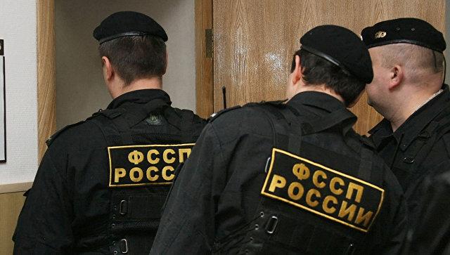 В Крыму мужчина сбил на машине судебного пристава