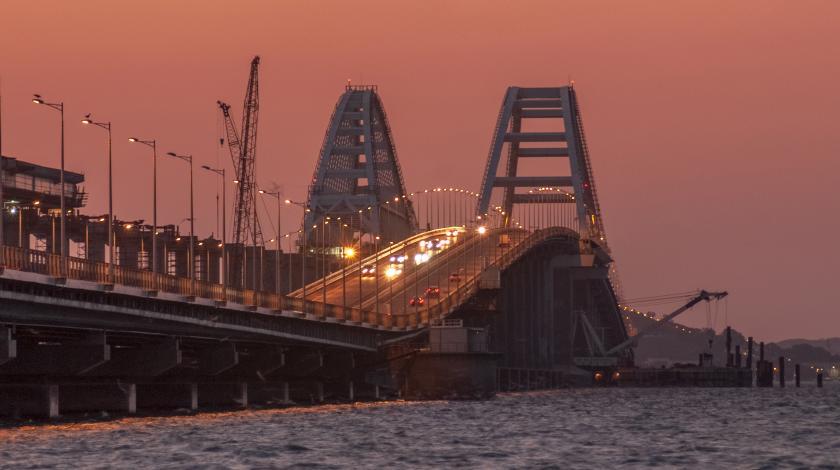 За ноябрь по Крымскому мосту проехали 243 тысячи автомобилей
