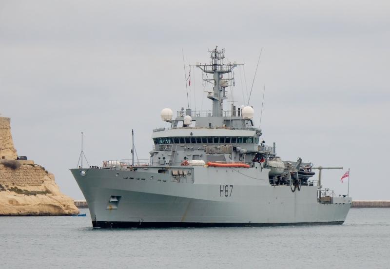 На Украине хотят отправить британский корабль к Крымскому мосту