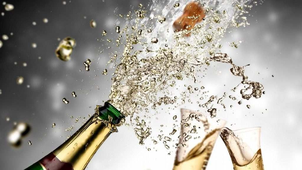 В России могут разрешить продажу шампанского в новогоднюю ночь