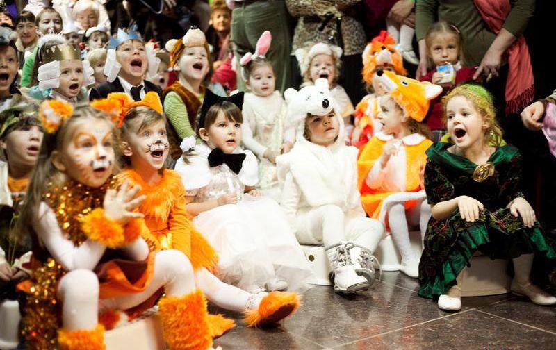 Эксперты назвали самые популярные у россиян костюмы на Новый год