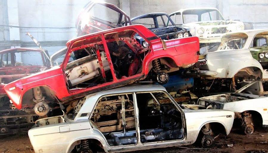 В Крыму мужчина украл у знакомого автомобиль и сдал его на металлолом
