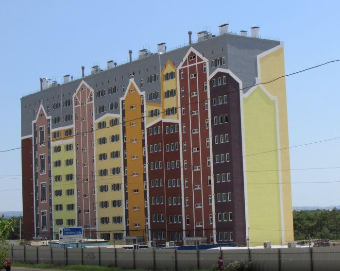 Загадочная история разноцветных домиков в Севастополе