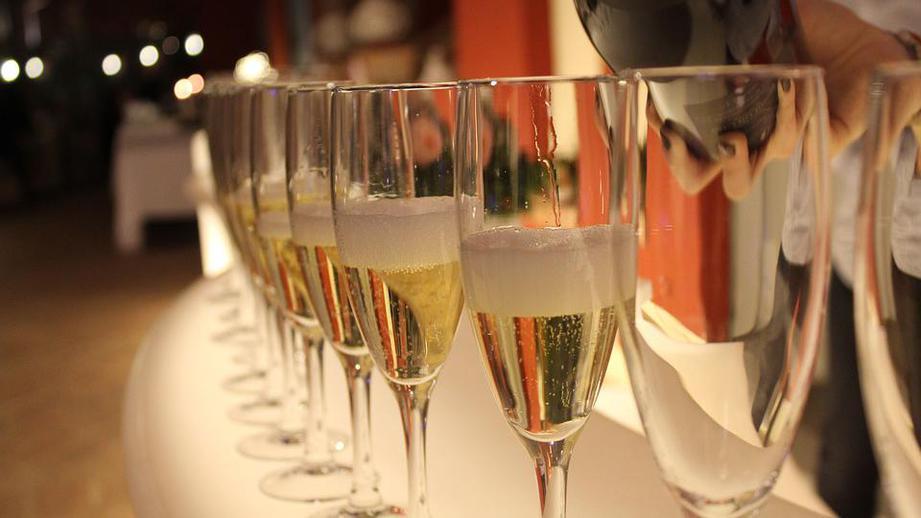 В Минздраве рассказали, какой алкоголь лучше всего пить в новогоднюю ночь