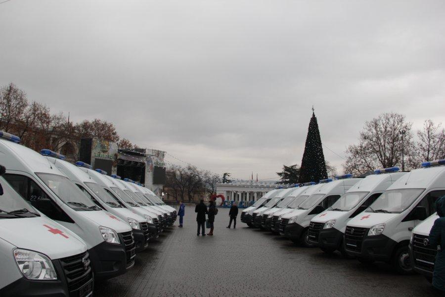 Севастополю передали 18 машин скорой помощи (фото)