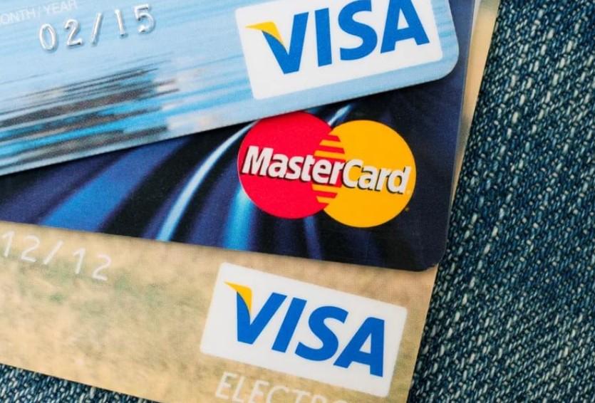 Роccийские банки готовят к отключению от Visa и Mastercard