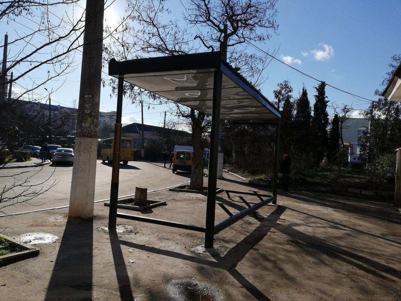 Ум не купишь: поддельные остановки заполонили Севастополь