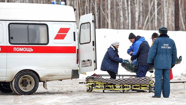 Серьезное лобовое ДТП на крымской трассе: пострадавшего доставали сотрудники МЧС