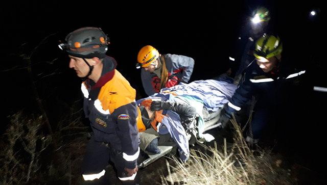 Спасатели несколько часов извлекали травмированного мужчину из пещеры в Бахчисарае