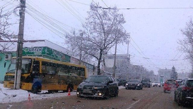 «Врезался в столб»: в соцсетях сообщают об очередном серьезном ДТП в Симферополе