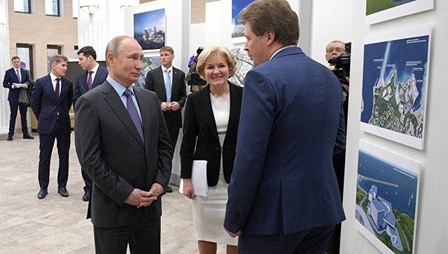 Путин ознакомился с проектом хореографической академии Севастополя