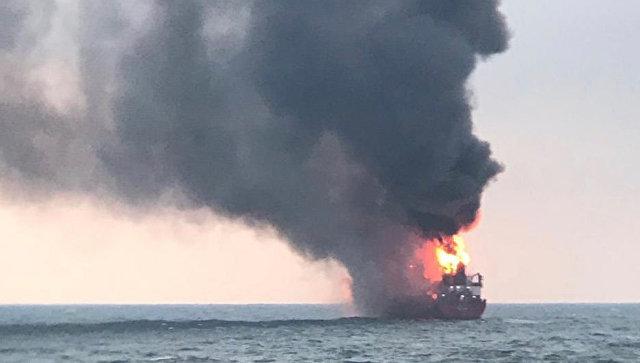 Следком озвучил основную версию пожара на танкерах в Черном море