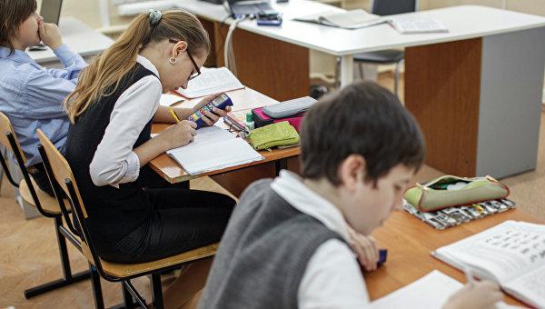Более десяти тысяч школьников в Крыму учат украинский язык