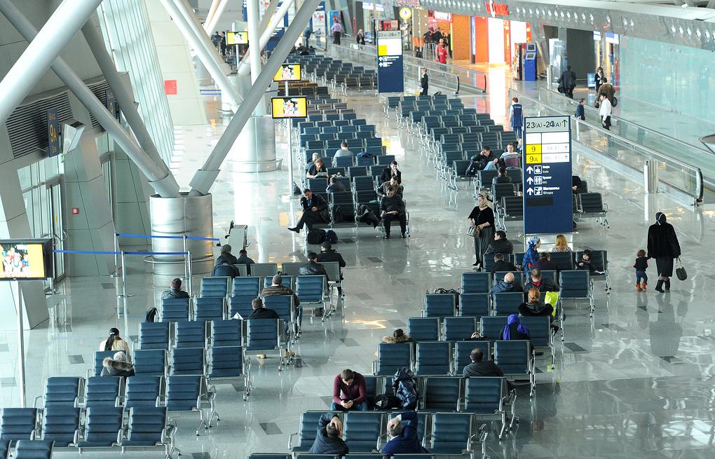 В московском аэропорту пассажир покончил с собой