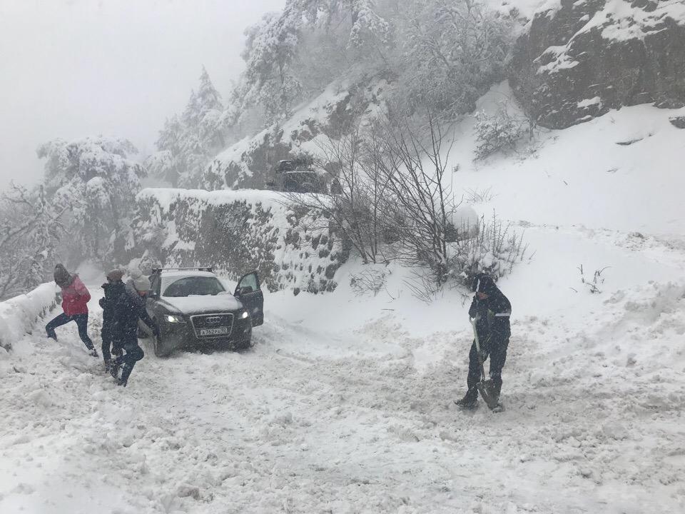 Ай-Петри завалило снегом (фото)