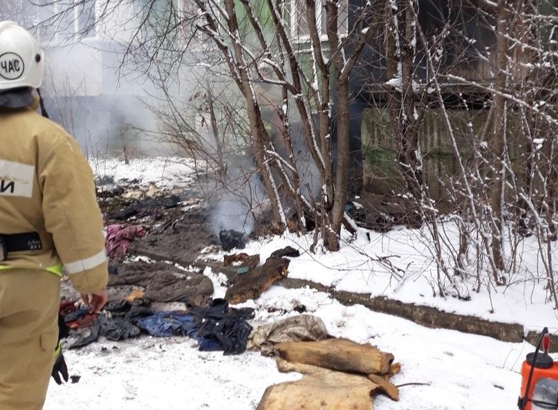 Крупный пожар в жилом доме в Крыму (фото)