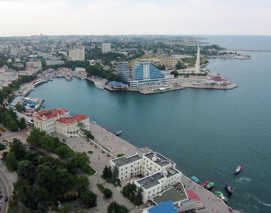 В Севастополе в Артбухте обнаружен взрывоопасный предмет