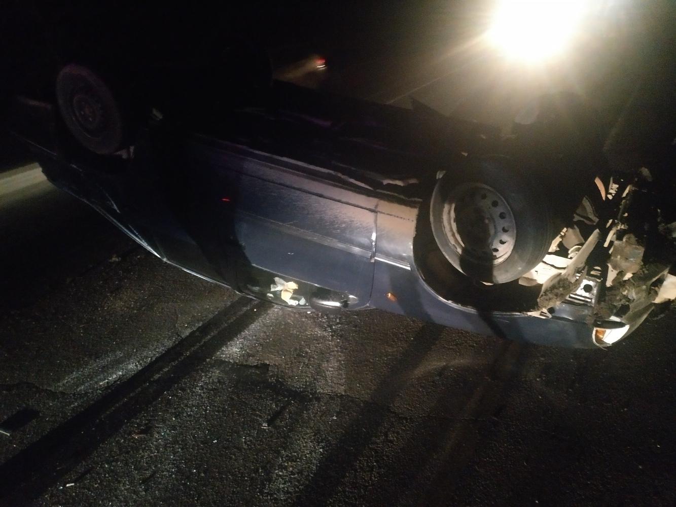 В районе Алушты перевернулся автомобиль