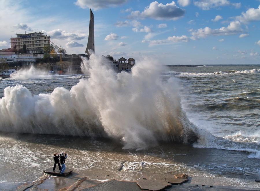 Снег, мокрый снег, шквалистый ветер, дождь: всё о погоде в Крыму 9 января
