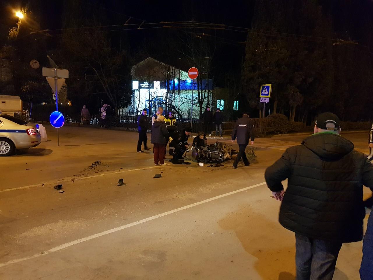 В Ялте ночью насмерть разбился мотоциклист
