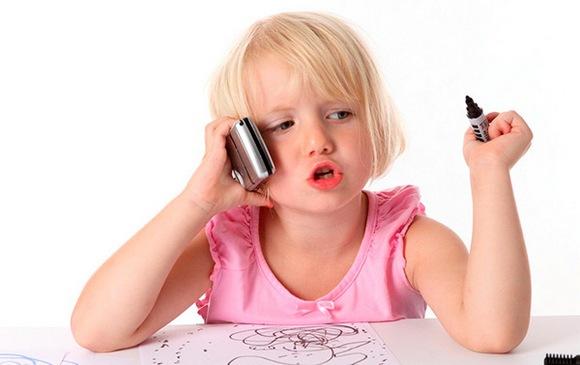 Телефонные разговоры и онлайн переписку ребёнка с одним из разведённых родителей узаконят