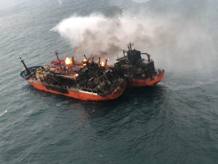 СК опубликовал видео горящих танкеров в Чёрном море