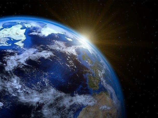 Магнитный полюс Земли сдвинулся в сторону Сибири и угрожает Земле катаклизмами