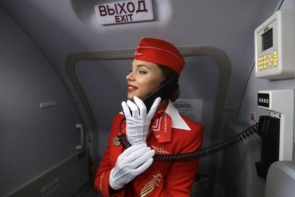 «Он не был пьян»: стюардессы рассказали о попытке захвата рейса Сургут-Москва