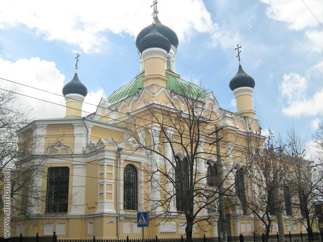 В Симферополе мужчина обокрал церковь на полмиллиона рублей