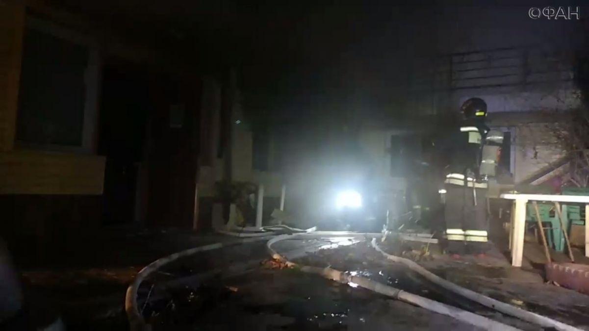 В Севастополе загорелась гостиница (фото, видео)