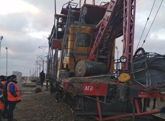 Грузовик столкнулся с дрезиной в Сакском районе Крыма