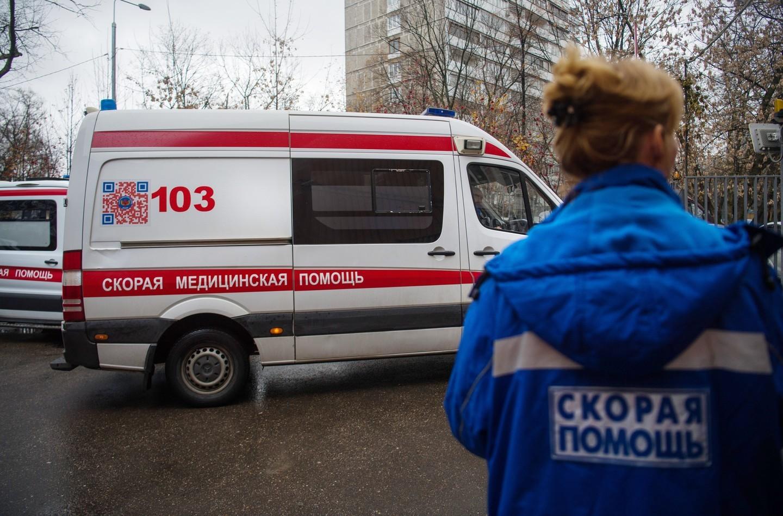 ЧП в Крыму: молодая женщина погибла, выпав из окна пятого этажа
